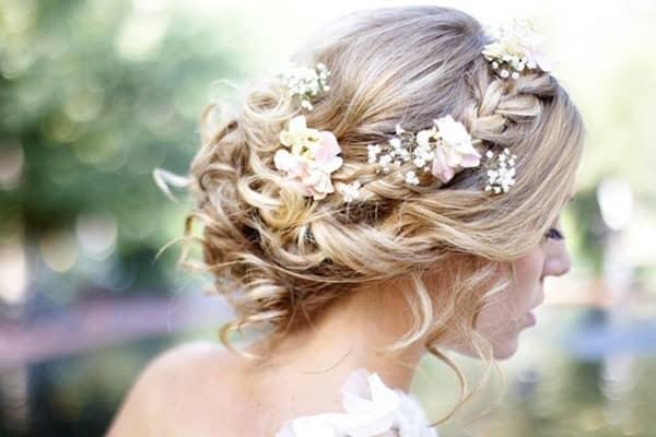 updo-wedding-hairstyles-600x400